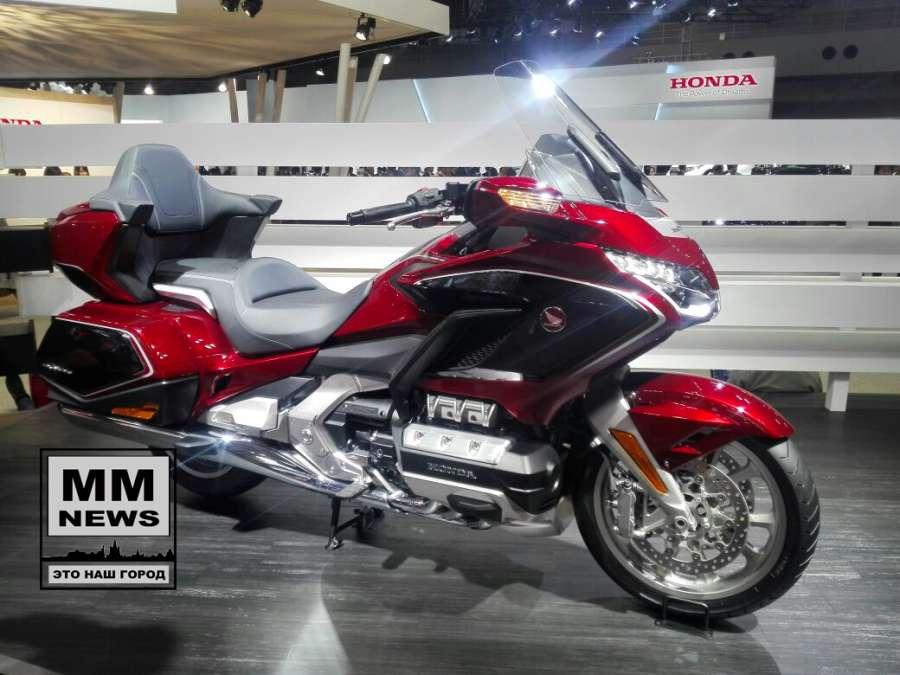 токио 2017 Honda показала новый Gold Wing